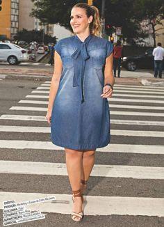 Pin by Fernanda Bellanga on Moda in 2020 African Wear Dresses, Latest African Fashion Dresses, African Print Fashion, Plus Size Fashion For Women, Plus Size Womens Clothing, Size Clothing, Jean Dress Outfits, Jeans Dress, Denim Fashion