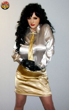 Sexy Outfits, Rock Outfits, High Society, Long Tight Skirt, Satin Pencil Skirt, Satin Bluse, Satin Shirt, Glamour, Blouse And Skirt