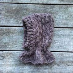 Knitting for Olive - Strikkeopskrifter til dem, du holder af Knitting For Kids, Baby Knitting Patterns, Knitting Projects, Baby Barn, Knit Shoes, Knit Or Crochet, Arm Warmers, Knitted Hats, Winter Hats