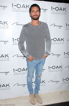 Sin City: Scott Disick was also back to his old favourite stomping ground on Sunday morning - as he hit up 1 Oak Nightclub in Las Vegas Chelsea Boots Outfit, Chelsea Boots Style, Scott Disick Style, Scott Disick Chelsea Boots, Denim Blog, Fashion Night, Swagg, Gentleman, Night Out
