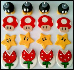Fondant Cupcake toppers-Stars piranha plants by MissSweetSends Super Mario Cake, Super Mario Birthday, Mario Birthday Party, Mario Party, Fondant Cupcakes, Fondant Cupcake Toppers, Cupcake Cakes, Fondant Figures, Fete Vincent