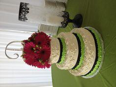 Green apple gerbera daisy cake