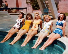 Fox starlets Trudy Marshall, Jeanne Crain, Gale Robbins, June Haver and Mary Anderson (1943)