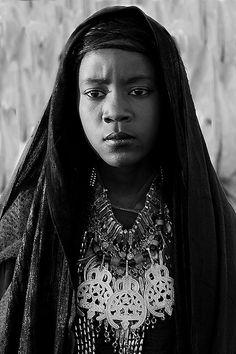 Africa | Tuareg girl. Libya | ©Majed Egira