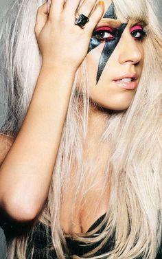 Le marketing de Lady Gaga ! Du personnage à ses partenariats ...