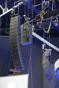 Getting It Right: New Technology For Classic Rod Stewart In Concert - ProSoundWeb Professional Audio, Rod Stewart, Live Events, Stevie Nicks, Loudspeaker, Acoustic, Leo, Photo Galleries, Concerts
