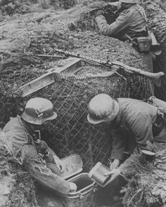 """308 Likes, 3 Comments - @german_forces_33 on Instagram: """"Dinner time for a trench bound MG34 crew. #wehrmacht #luftwaffe #kriegsmarine #waffenss…"""""""