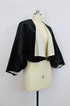 1975168ee50 1950 s Black Soft Velvet Cape   Cream Satin Lining   Size  Small to Medium