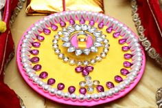 Engagement Ring Tray! Pearl and diamond decoration.. Pink and yellow.. Beautiful