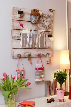 manualidades-faciles-organizador-de-pared-madera