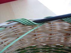 21) Obtáčená zavírka - Pedig a košíky Basket Weaving, Garden Tools, Pattern, Hampers, Weaving, Yard Tools, Outdoor Power Equipment, Model, Patterns