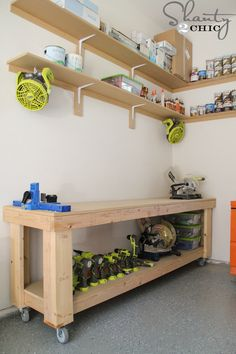 Free DIY workbench plans from Awesome way to help organize your garage! Garage Tools, Garage Shop, Garage House, Garage Workshop, Woodworking Shop, Woodworking Plans, Woodworking Projects, Woodworking Furniture, Do It Yourself Furniture