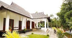 മക്കൾക്കും പേരക്കുട്ടികൾക്കും കൊടുക്കാവുന്ന ഏറ്റവും വലിയ സമ്പത്ത് അപ്പനമ്മമാർ കൈമാറിയ വീടാണ്. അത് വൃത്തിയായും ശ്രദ്ധയോടെയും പരിപാലിച്ചും കാലത്തിനൊത്ത്. traditional. tharavadu. Home Plans Kerala. House Plans Kerala. Home Style. Manorama Online