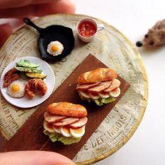 Sandwiches やわらかチキン&半熟ゆで卵のサンドを作りました。 こちらはそのまま単品で販売します。  9月18日(日)どうぶつとおやつのマルシェ 池袋ギャラリーK 12:00〜16:30 入場無料 9:00〜9:30の間に整理券先着順で配布 14:00より自由入場  どうぞよろしくお願い致します