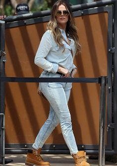 Khloe kardashian love her Khloe Kardashian Style, Koko Kardashian, Kardashian Jenner, Kardashian Fashion, Casual Outfits, Cute Outfits, All Jeans, Holiday Outfits, Swagg