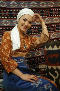 beautiful kazakhstan girl - Google'da Ara