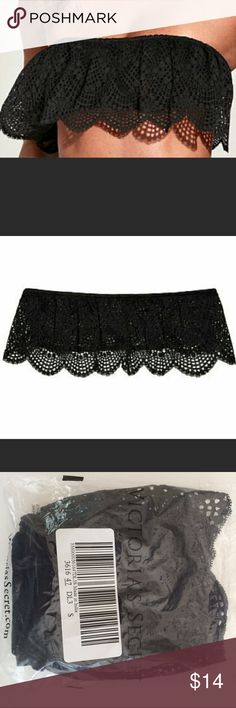 Victoria's Secret Black Lace Bandeau Perfect bandeau for summer! Wear peeking out from under a shirt or jacket, pair with a midi or long skirt. Beautiful scalloped lace. Sold out at Victoria's Secret shops and website. No padding. Victoria's Secret Intimates & Sleepwear Bandeaus