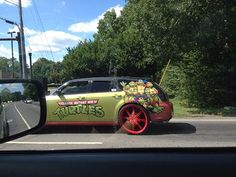 Would you want to switch cars with this ‪#‎TMNT‬ fanatic?