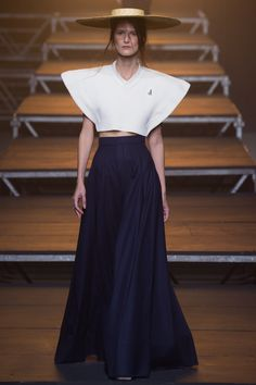 http://www.vogue.com/fashion-shows/spring-2017-ready-to-wear/jacquemus/slideshow/collection
