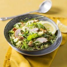 Boodschappen - Lauwwarme couscoussalade met rozijnen en gerookte kip