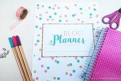 Fiz um Blog Planner para vocês se organizarem com o seu blog, vem baixar✏ ➡www.omelhordemim.com