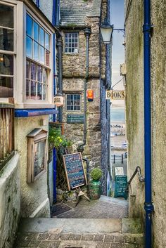 Per Previous Pinner: Tenby, Pembrokeshire, South Wales, UK. Had some of the most romantic meals in the Plantagenet Restaurant in Tenby. Wales Uk, South Wales, The Places Youll Go, Places To See, Visit Wales, Into The West, Photos Voyages, England And Scotland, Places Of Interest