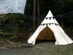 大人の秘密基地!ノルディスクのティピ・テントとパオ・テント Furniture Layout, Outdoor Gear, Tent, Camping, Furnitures, Layouts, Wedding Ideas, Campsite, Tentsile Tent