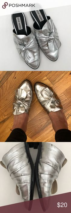 0b63e2f9238 Steve Madden Silver Metallic Napa Leather Slippers Condition as pictured.  Stratches ın leather Esthetic damage
