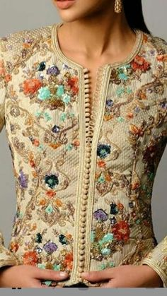Silk ensemble with embroidery and beading Fashion Details, Love Fashion, Womens Fashion, Fashion Design, Caftan Gallery, Moroccan Dress, Pakistani Dresses, Indian Wear, Blouse Designs