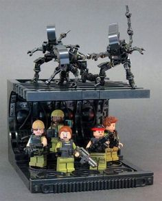 AwesomeSmash showcases all that is awesome including creative design, gadgets, geeky stuff to buy, awesome LEGO creations, art and much more. Lego Krieg, Lego Mechs, King Kong, Legos, Les Aliens, Aliens 1986, Casa Lego, Lego Zombies, Josi