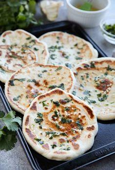 Easy Garlic Naan