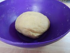 Házi túrós kifli | Antukné Ildikó receptje - Cookpad receptek Hamburger, Bread, Food, Meal, Hamburgers, Essen, Hoods, Burgers, Breads