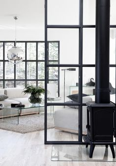 The Design Chaser: Homes to Inspire | Light + Style