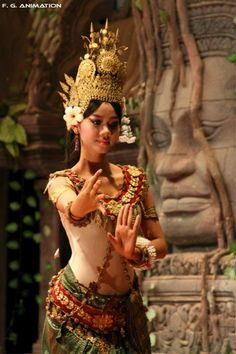 An Apsara dancer, Cambodia Laos, Khmer Empire, Exotic Dance, Jakarta, Thai Art, People Of The World, Historical Clothing, Wanderlust, True Beauty