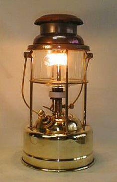 Camping Lantern For Kids Gas Lanterns, Camping Lanterns, Cool Lighting, Chandelier Lighting, Antique Hurricane Lamps, Coleman Lantern, Campaign Furniture, Vintage Lanterns, Candle Lamp