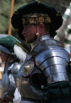 Landsknechten are Kaerwynni mecenaries most often recruited from the lower merchant class that travel the northern continent of Pandora Medieval Knight, Medieval Armor, Medieval Fantasy, Costume Armour, Armadura Medieval, Landsknecht, Sword Fight, Knight Armor, Renaissance Men