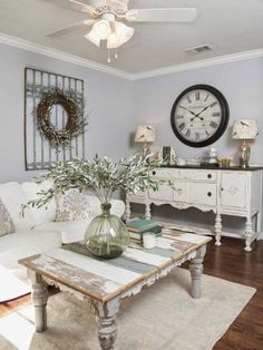 Ridiculous Tips: Shabby Chic Home Chandeliers white shabby chic bedroom.Vintage Shabby Chic Home. Decoration Shabby, Rustic Decor, Country Chic Decor, Rustic Room, Home And Deco, Shabby Chic Homes, Rustic Shabby Chic, Coffee Table Shabby Chic, Shabby Chic Accent Table