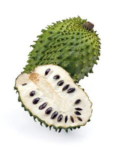 """☛ In keeping with Breast Cancer Awareness Month we bring you Graviola. This tree is called Graviola and """"soursop"""" in English. The principal interest in this plant is due to its strong anti-cancer effects. Health Benefits, Health Tips, Health And Wellness, Soursop Benefits, Herbal Remedies, Natural Remedies, Soursop Fruit, Cancer Fighting Foods, Tropical Fruits"""