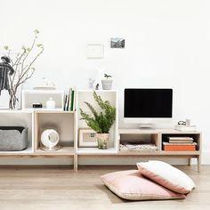 Het Muuto Stacked systeem is ook een leuke manier om een tv-meubel samen te stellen  Fijne zondag allemaal!