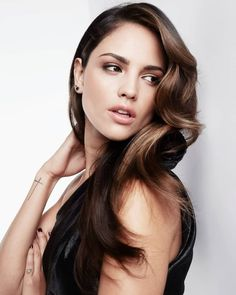 Eiza Gonzales as Shauna. She has gorgeous cheekbones, and I love her hair. Beautiful Girl Image, Gorgeous Women, Beautiful People, Elza Gonzalez, Hollywood Celebrities, Hollywood Actresses, From Dusk Till Down, New York Girls, Olivia Culpo