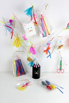 Super cute kitten party favor bags on a tree! Kitten Party, Cat Party, Colorful Birthday Party, Birthday Parties, Crazy Cat Lady, Crazy Cats, Super Cute Kittens, Kids Carnival, Pipe Cleaner Crafts