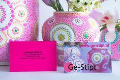 Workshop Ge-Stipt Tijdens een workshop Ge-Stipt maakt u zelf een kunstwerkje op porselein, dit kunstwerkje kunt u al meteen mee naar huis toe nemen. In de workshop leert u alle tips en trics om uw...