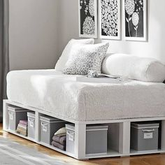 Bring stadium style to your sleep space. This cozy bed transforms into the ultimate lounge design with three rows of cushy comfort. Daybed Mattress, Diy Daybed, Daybed With Storage, Chaise Longue Diy, Kids Full Size Beds, Full Size Daybed, Design Lounge, Design Design, Chair Design