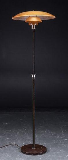 http://www.lauritz.com/da/auktion/poul-henningsen-ph-5-3-standerlampe-med-skaerme-af-ravfarvet/i4678603/
