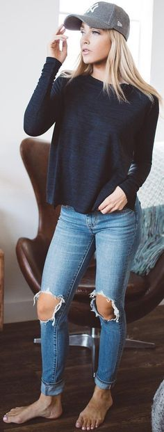 casual style addict / hat + top + ripped jeans