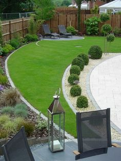 I had read that Epsom Salt can be used in the garden, but I was surprised to discover that there are twelve different ways it can be applied to achieve… #GardenDesign