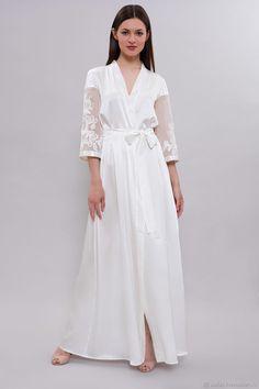 Home clothes · Длинный шелковый халат с кружевными аппликациями D- – купить  в интернет-магазине на Ярмарке 61558b5c4d3a6