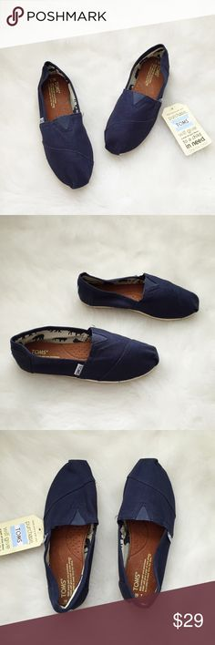 NWT Toms Denim Blue Loafers👖💙 NWT Toms Denim Blue Loafers👖💙 Size: 7 Condition: NWT The perfect everyday loafers,pair these with skinny jeans,leggings & tunics. Selling these for my sister she would like the extra closet space.These have never been worn out. They do not come with box, my sister only ever tried them on, originally purchased at Nordstrom. Has one small flaw of extra stitching sticking out (left shoe)Grab these while you can💕  In Bin: F3 **All items from my closet come from…