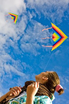 This shot of two Delta kites really suggests the steady, steep flight that these designs are known for. The photo also illustrates great kite-flying weather! Flying Photography, Festival Photography, Dreamy Photography, Girl Photography Poses, Creative Photography, Go Fly A Kite, Kite Flying, Delta Kite, Kites For Kids