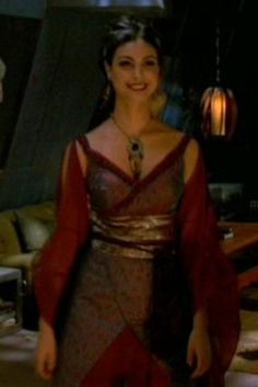 I love all of Inara's costumes. I would love to wear this....not even to con; all of her dresses are that great.